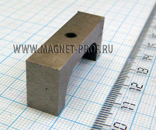 Магнит LNG37 39x9,5x16xd3,5мм.