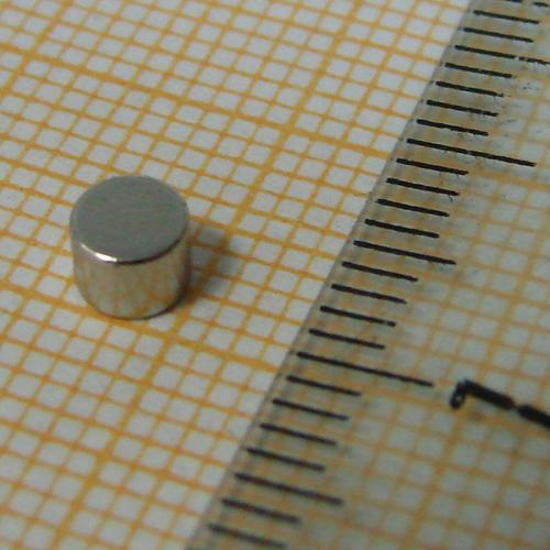 Неодимовый магнит диск D3.9x3 мм., N35