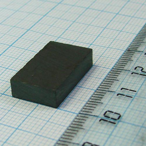 Ферритовый магнит пластина 20x12x5 мм