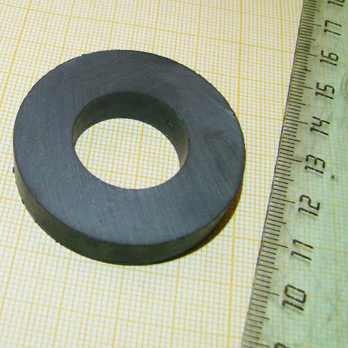 Ферритовый магнит кольцо D45xd22x9 Y35