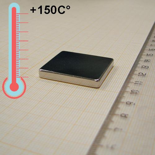 Неодимовый магнит пластина 32x30x4,5 мм., N38SH