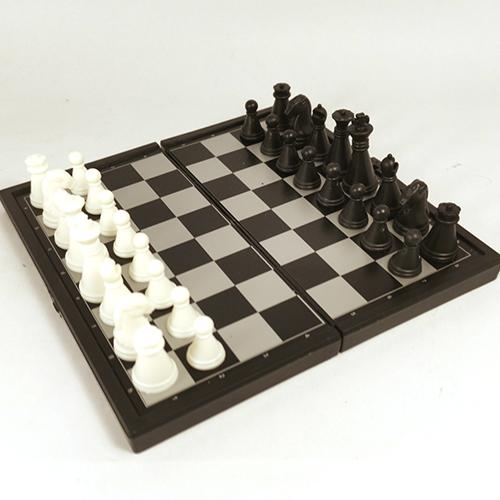Магнитные шахматы 13х13 см