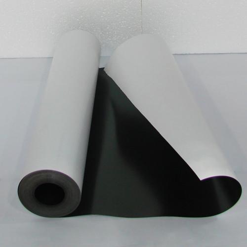 Магнитный винил толщиной 0.7 мм с клеем (30 метров)