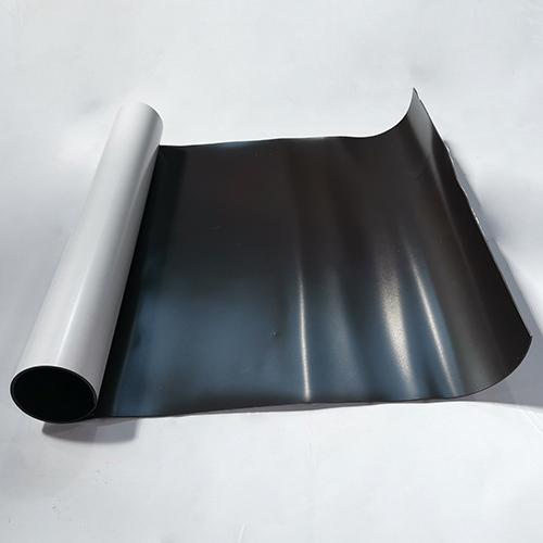 Магнитный винил толщиной 1.5 мм с клеем (1 метр)