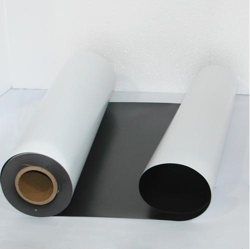 Магнитный винил толщиной 0.5 мм с клеем (30.5 метров)